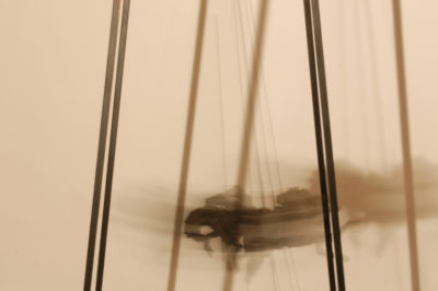 estampida en el tiovivo, en busca de un tiempo real  --  65x40x160  --  bronce, madera de tea, hierro, mecanismo