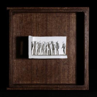 Ii  --  7x4x4cm  --  caja 16x16x7cm  --  ceraaamica y madera