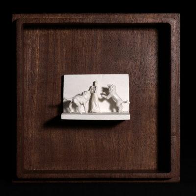 Jj  --  7x4x4cm  --  caja 16x16x7cm  --  ceraaamica y madera