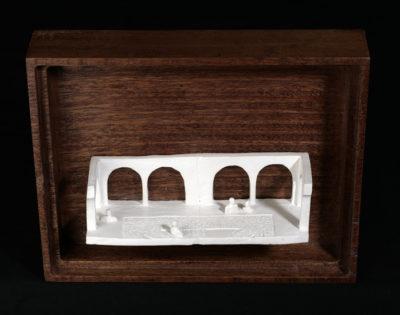 Kk  --  14x4x4cm  --  caja 20x16x7cm  --  ceraaamica y madera