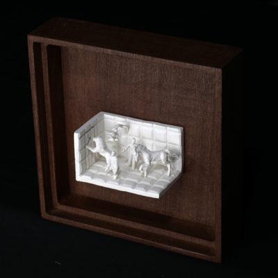 Ll  --  14x4x4cm  --  caja 20x16x7cm  --  ceraaamica y madera