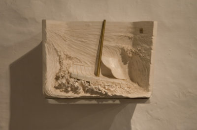 Autrretrato de artista -- Ceraaamica, madera, bronce