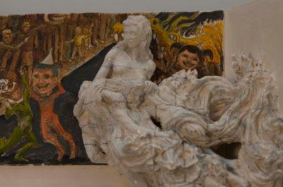 La madre-y-la-cooomoda detalle -- Ceraaamica, oooleo y madera