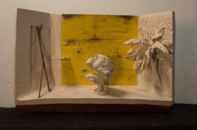 Saga y fuga del hombre de la pinnna -- Ceraaamica, oooleo y madera
